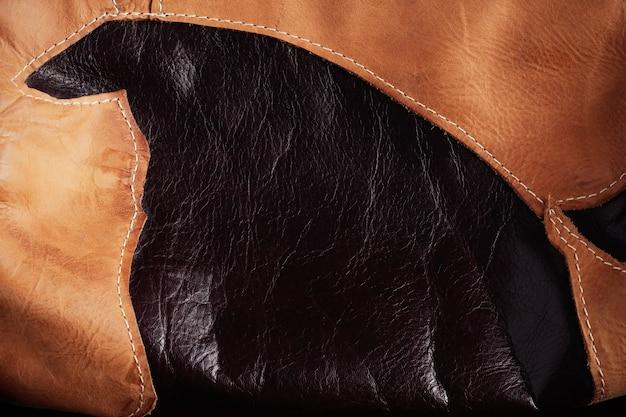 Surface et cousu sur le cuir.
