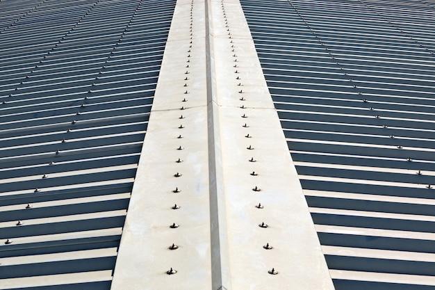 Surface du toit en acier