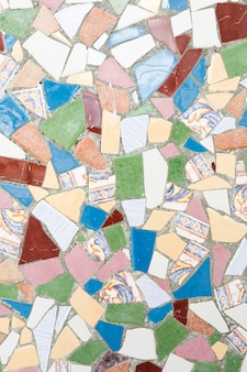 Surface de pierres colorées géométriques en ciment