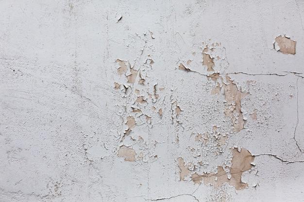 Surface solide pelée avec des rayures