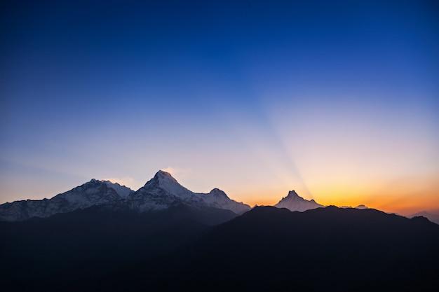 Surise dans l'himalaya