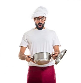 Surprisd chef regarde au pot