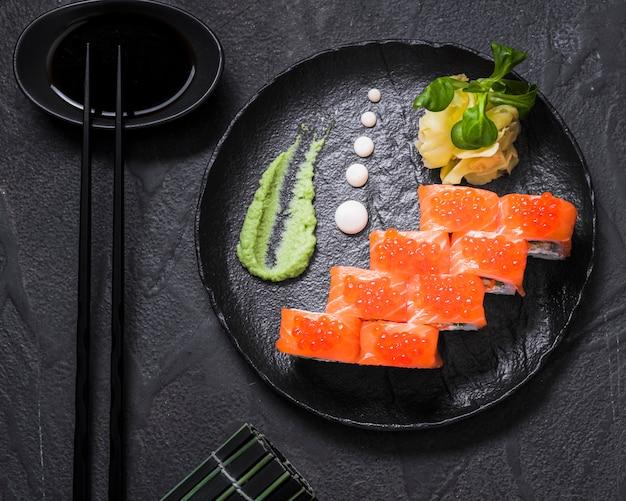 Sushi au restaurant asiatique