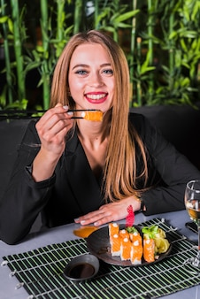 Sushi au restaurant asiatique