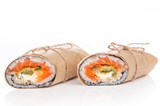 Sushi burrito - nouveau concept de cuisine tendance