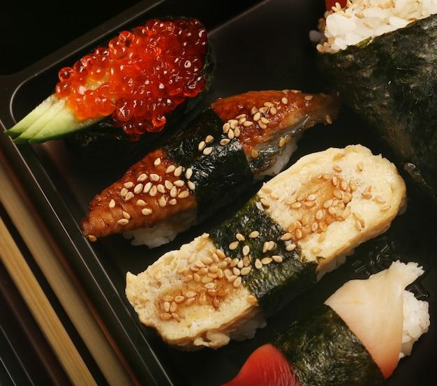 Sushi traditionnel japonais
