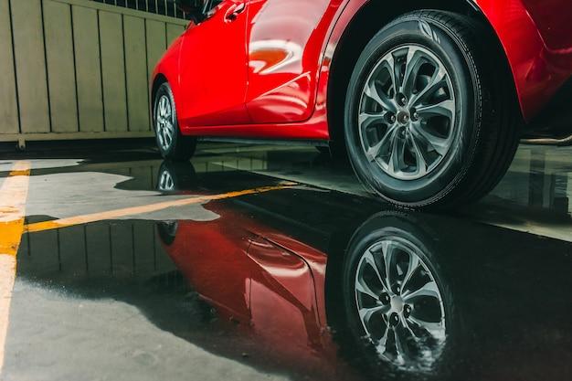 Suspension avec pneus en caoutchouc voiture