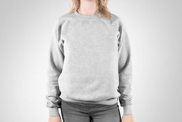 Sweat-shirt blanc isolé, porter des femmes à capuche ordinaire