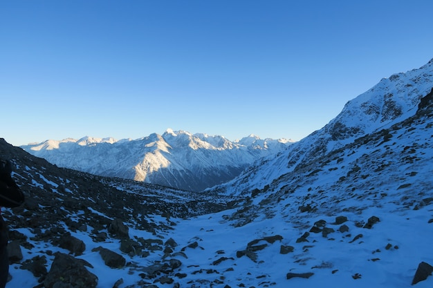 Syltran moraine vue de nuit. montagnes du caucase. russie