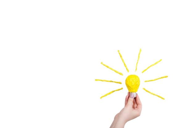 Symbole d'ampoule sur fond blanc
