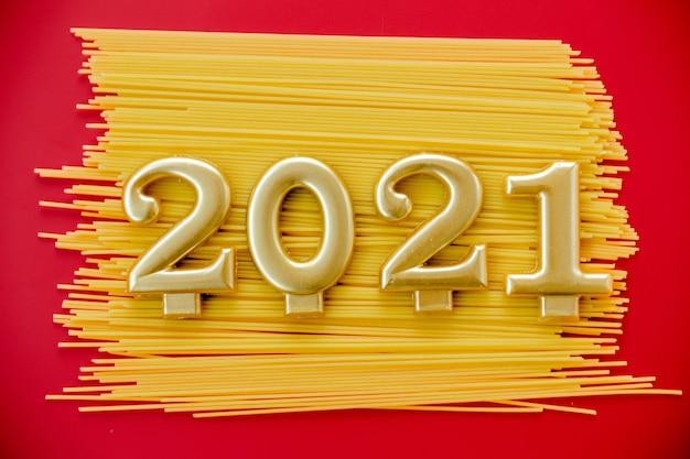 Symbole de bonne année du nombre et des macaronis
