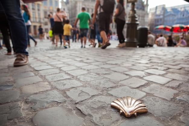 Symbole du camino de santiago, bruxelles, belgique