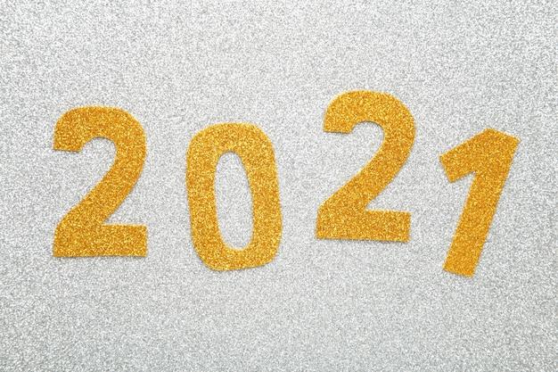 Symbole du numéro 2021 sur fond de bois