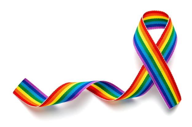 Symbole de ruban de fierté de ruban arc-en-ciel lgbt. arrêtez l'homophobie.
