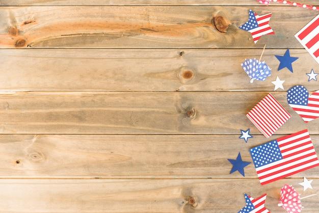 Symboles américains sur une surface en bois