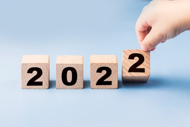 Symboliser le changement de 2021 à la nouvelle année 2022 2022 concept de bonne année