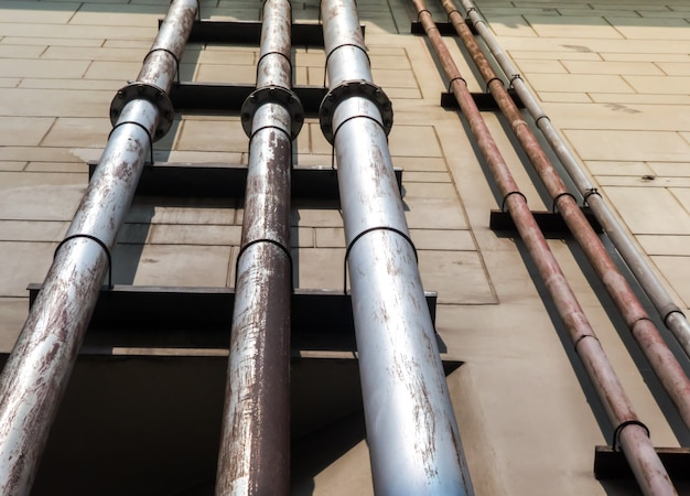 Système de canalisation d'eau pour la construction d'installations industrielles.