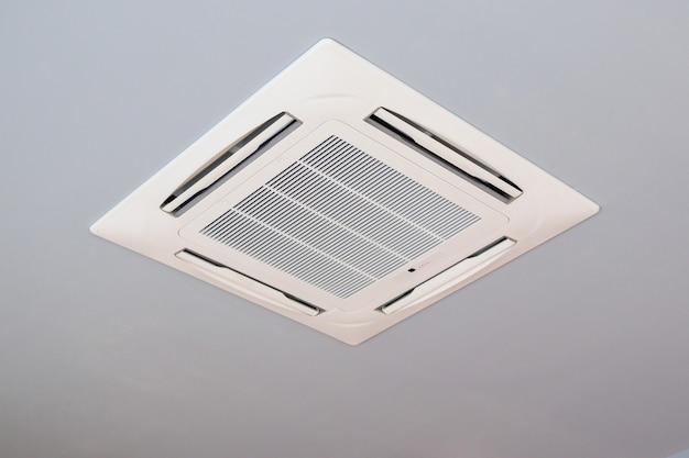 Système de climatisation moderne de type cassette monté au plafond