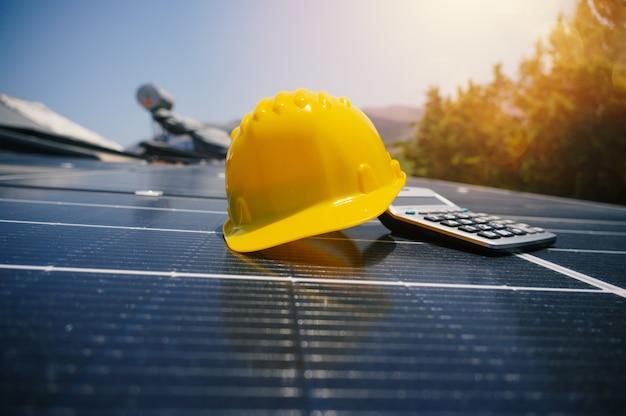 Système d'énergie renouvelable avec panneau solaire sur le toit
