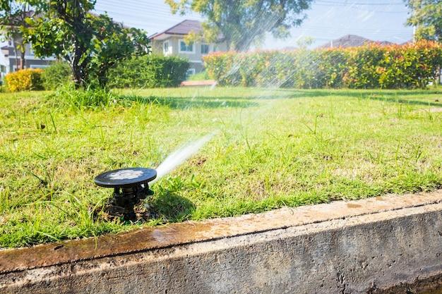 Système d'irrigation automatique de jardin d'herbe d'arrosage d'arrosage de pelouse