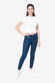 T-shirt blanc femme basique porter tout le corps