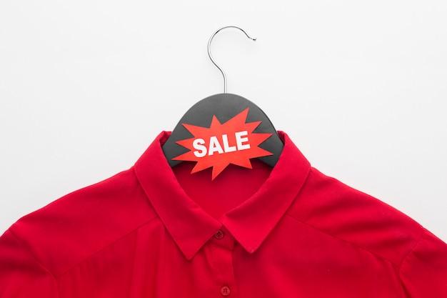 T-shirt vente cyber lundi avec étiquette