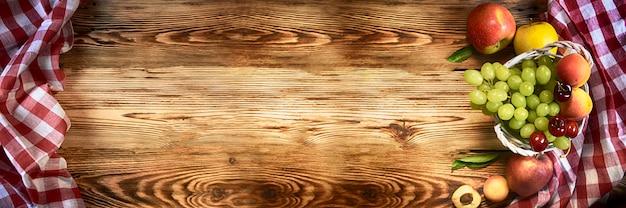 Table en bois rustique élégante