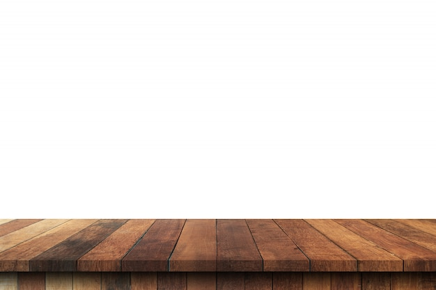 Table en bois vide sur fond blanc isolé et montage d'affichage avec espace de copie pour le produit.