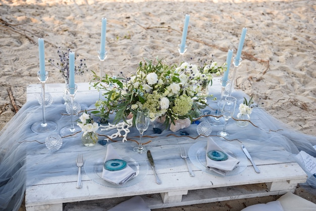 Table de configuration de mariage de plage