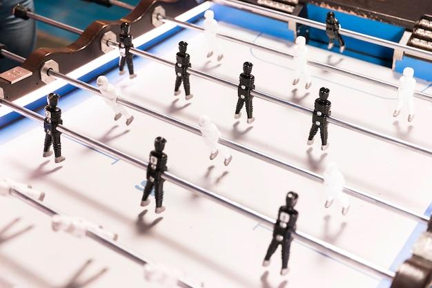 Table de foot haute vue avec fond blanc