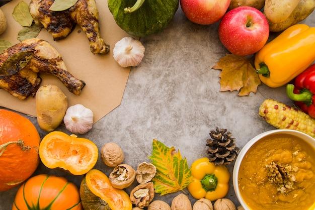 Table grise décorée de nourriture