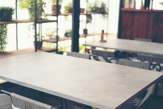 Table à manger au restaurant