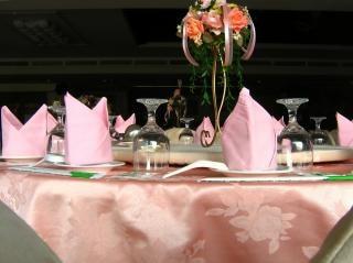 Table à manger élégante