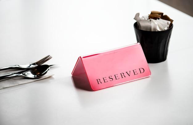 Table à manger réservée