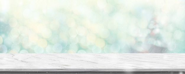 Table de marbre blanc vide avec abstrait flou arbre de noël vert et chute de neige