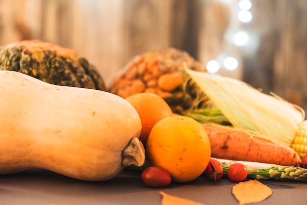 Table recouverte de légumes
