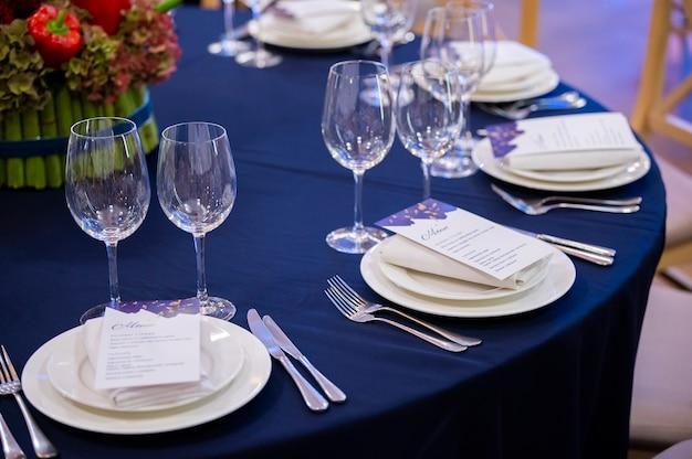 Table servie dans un restaurant