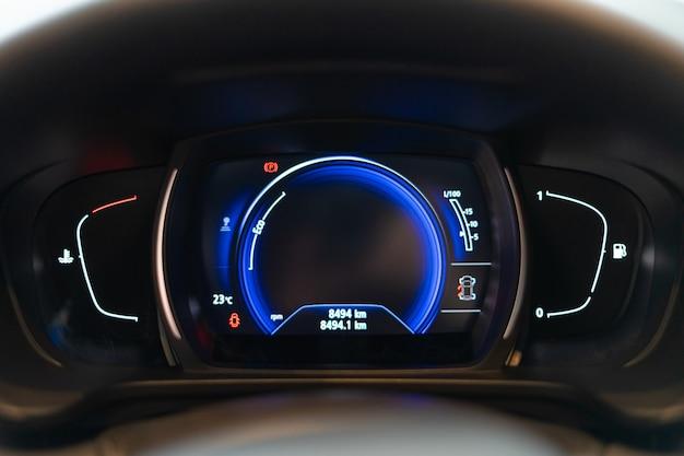 Tableau de bord du tableau de bord de voiture avec compteur de vitesse tachymètre odomètre