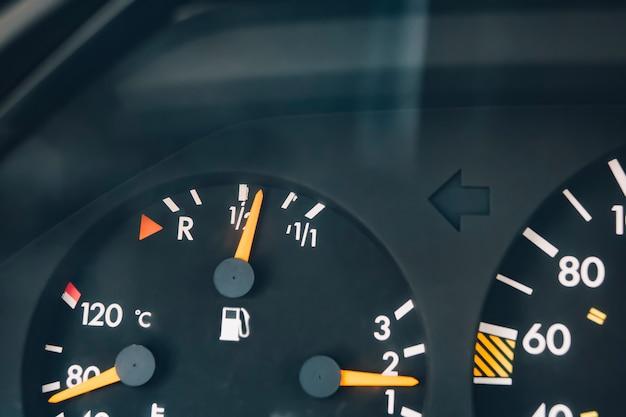Le tableau de bord de la voiture