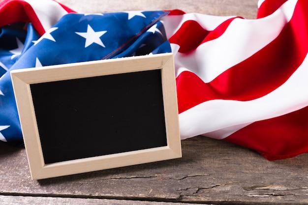 Tableau de craie vierge avec drapeau américain
