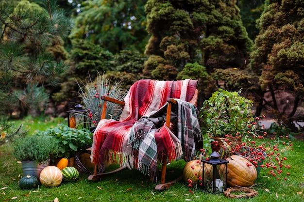 Tableau dans le style de l'automne. décor d'automne