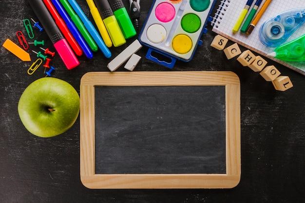 Tableau noir et autres matériaux scolaires