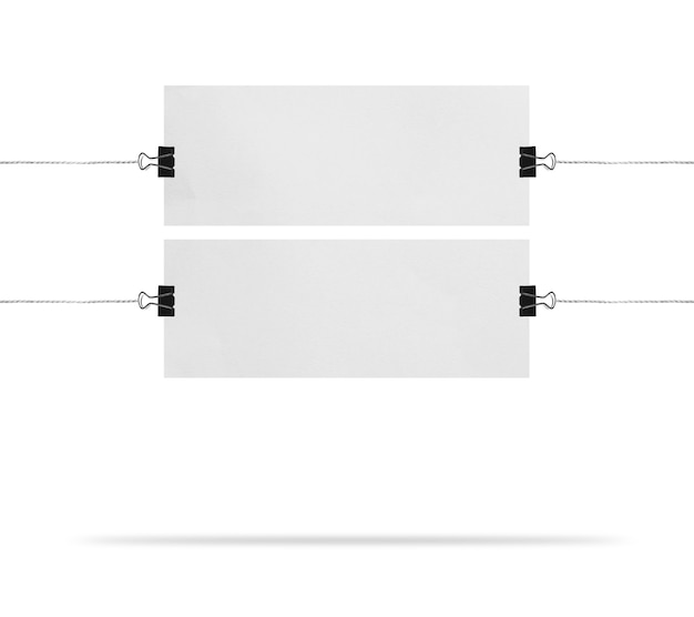 Tableau de présentation blanc vierge ou maquette de signe isolé sur fond blanc