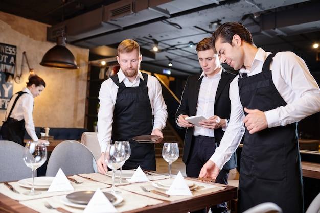 Tables de service pour banquet