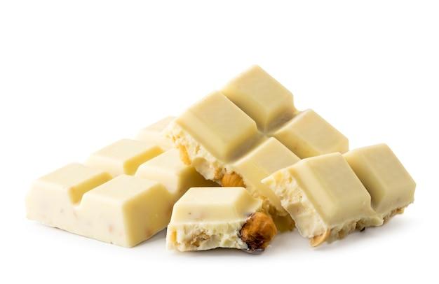 Tablette de chocolat blanc cassé aux noix