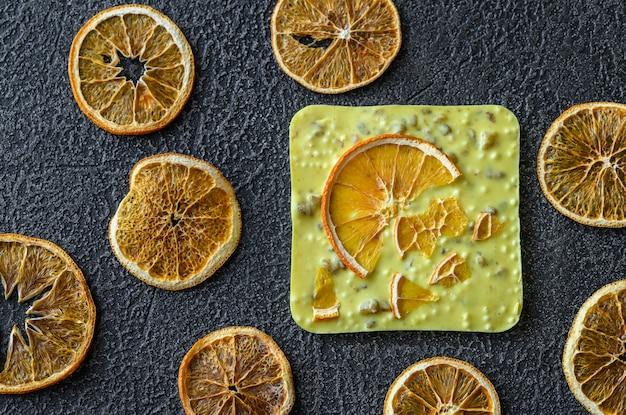 Tablette de chocolat à l'orange
