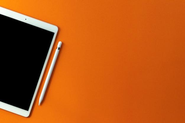 Tablette et crayon écran blanc