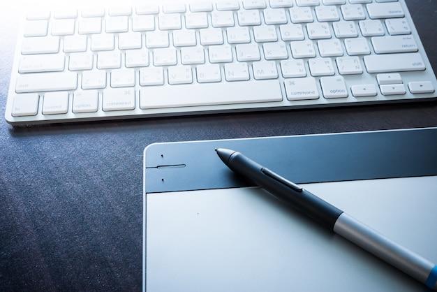 Tablette graphique avec stylo et clavier