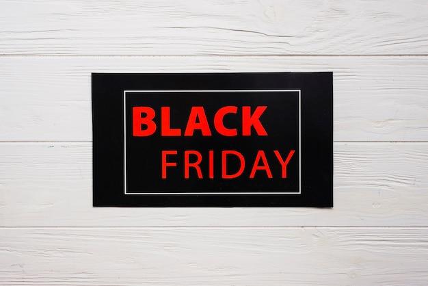 Tablette noire avec inscription noire du vendredi