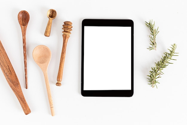 Tablette et ustensiles de cuisine